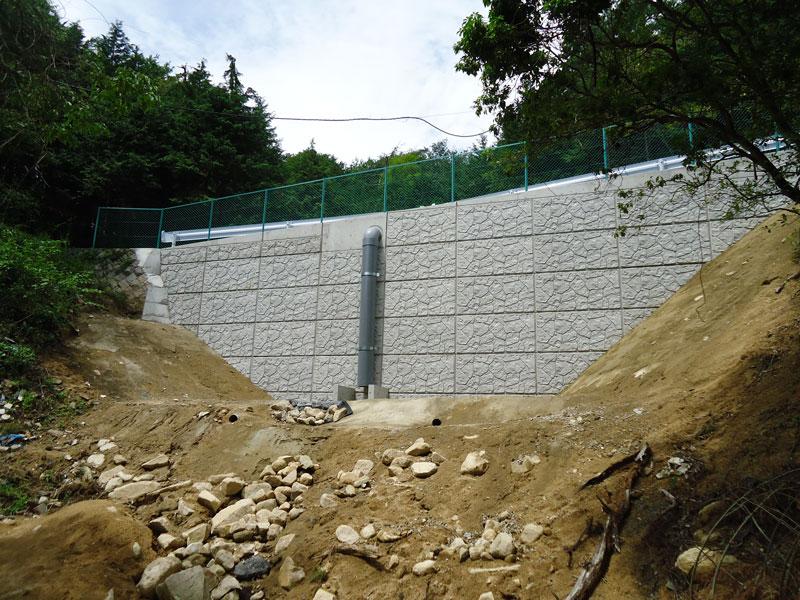 コンクリートパネル仕様の特徴